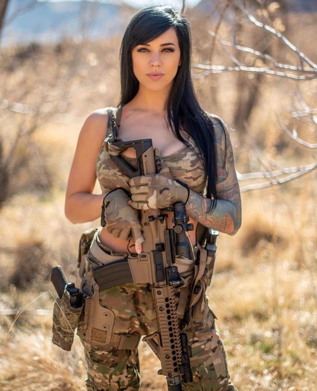 Alex Zedra gun photo